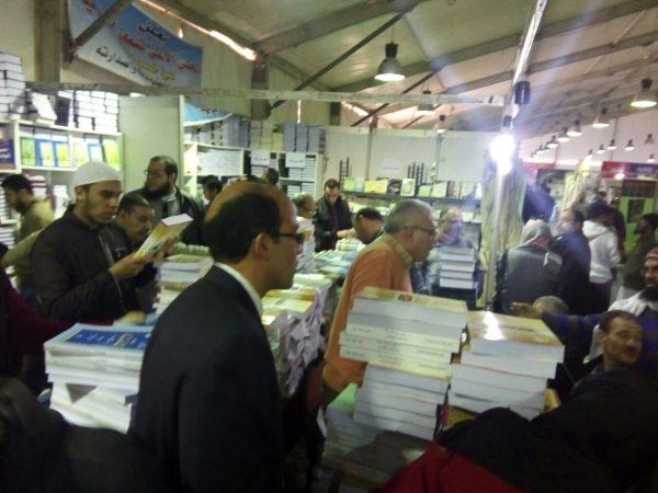 <center>الأوقاف : إقبال غير مسبوق على جناح المجلس الأعلى للشئون الإسلامية بمعرض الكتاب <center/>